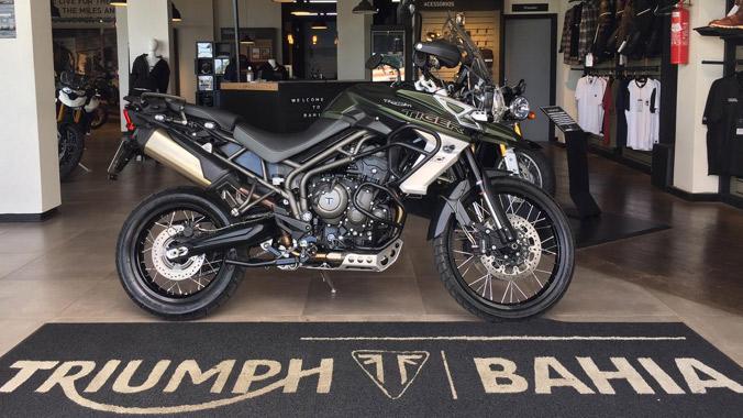Triumph Tiger 800 XCA, semi-nova, big trail, 800 cc