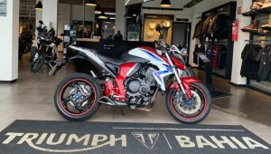 Honda CB 1000 R, super-esportiva, 1.000 cc, 123 vc, 2015, desempenho